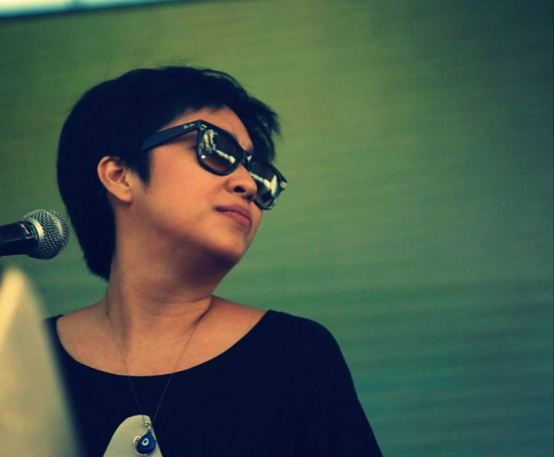 She brought down the sun. UP Dharma Down's set was beautiful. Photo by Asia Urquico
